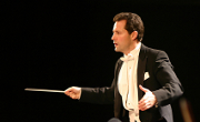 Lawrence Golan (conducting)